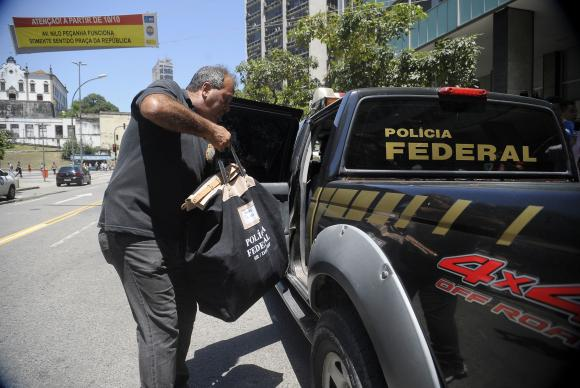 Polícia Federal cumpre 13 mandados na 41ª fase da Operação Lava Jato